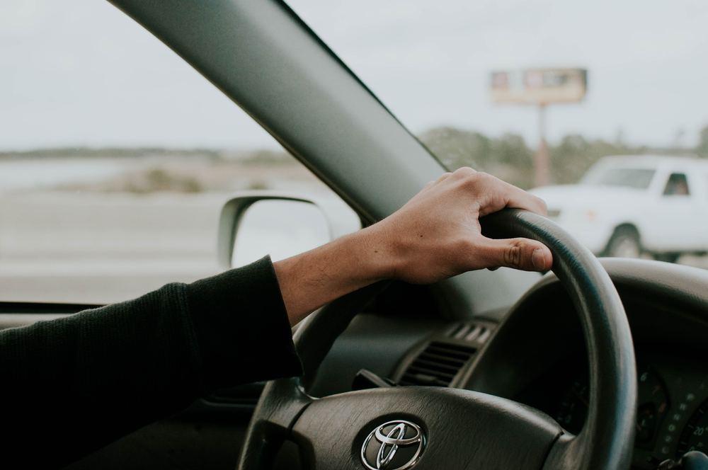 Vælg mellem tusindvis af brugte biler online